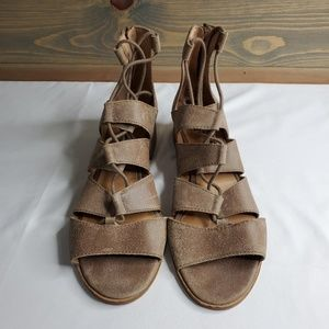 Lucky Brand womens gladiator sandal with back sipp